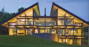 casa in legno e vetro