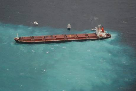 AUSTRALIA, cargo contro barriera corallina