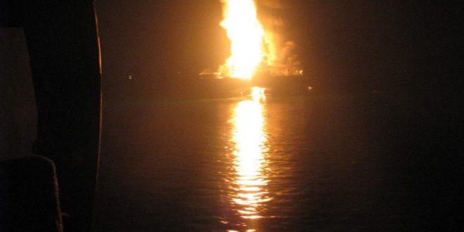 U.S.A.: espolode piattaforma petrolifera